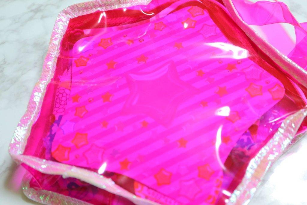 スター☆トゥインクルプリキュア おしゃれ☆ きらきらスターがたバッグの付属の厚紙を挿入したところ