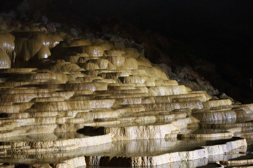 秋芳洞の内部
