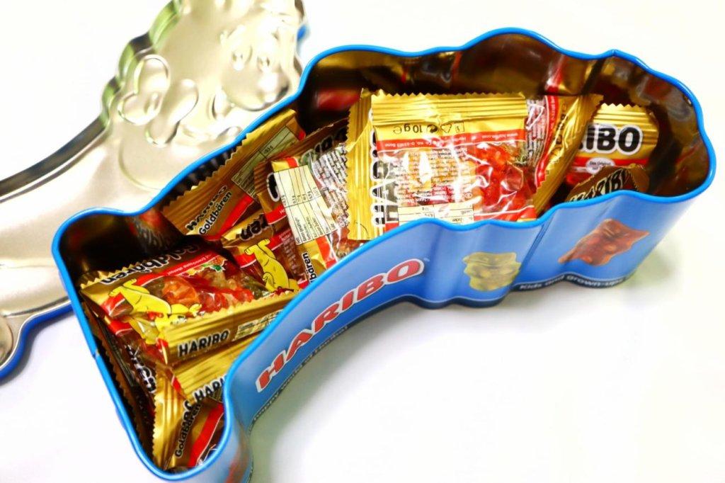 蓋を開けられたハリボーグミ缶