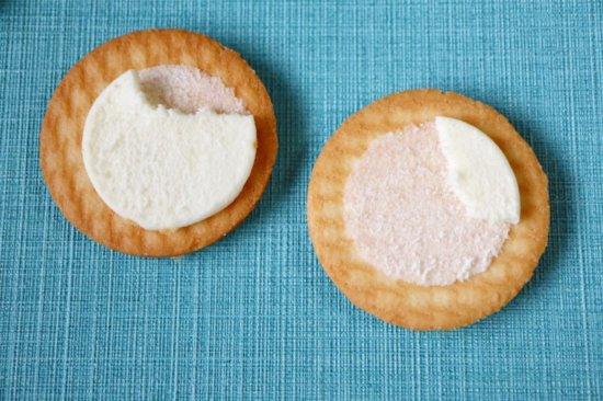 豆乳サンドビスケットの中のクリーム