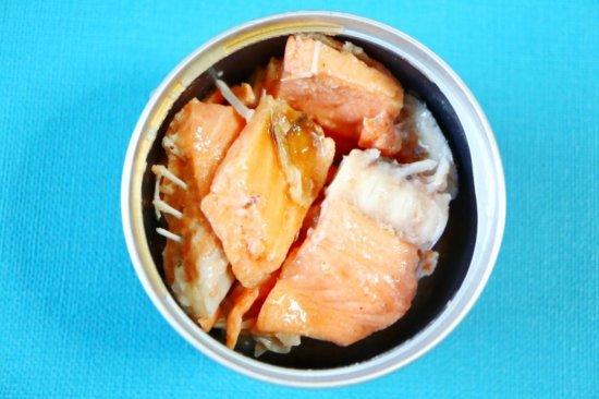 鮭の中骨水煮缶の全貌