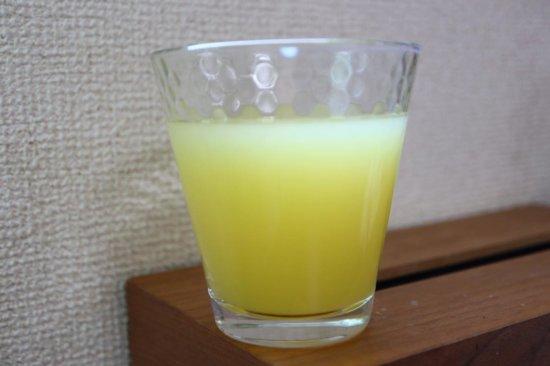 お水で薄めた沖縄県産シークワーサー果汁