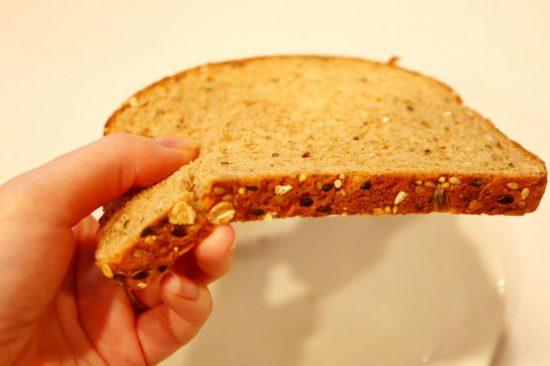 薄いオーガニックパン
