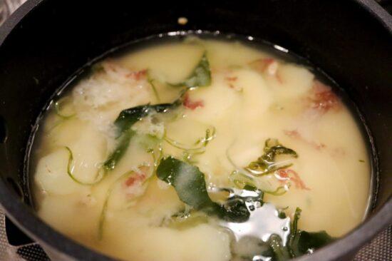 みそ汁に入った熊本の6品目の海藻